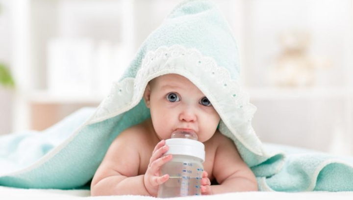 baby_drinking_water
